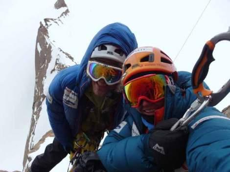Aleks og jeg klatrer